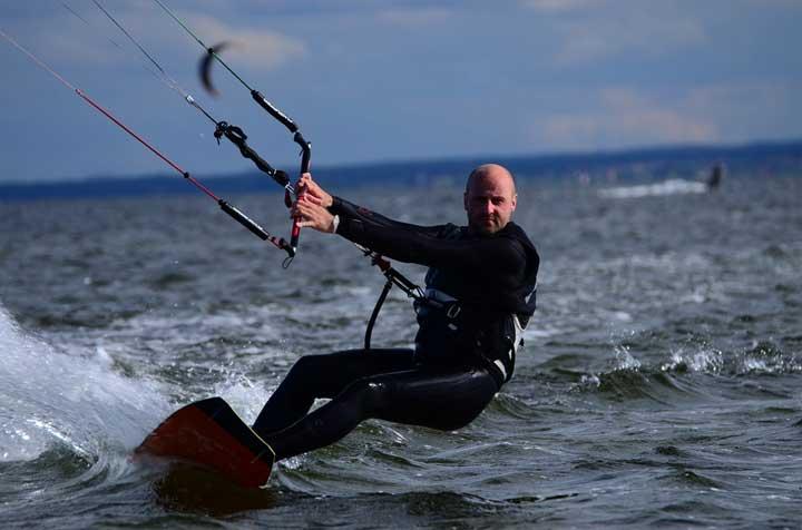 Kitesurfen an der polnischen Ostseeküste